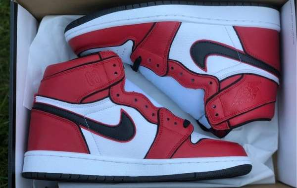 "Air Jordan 1 Retro High OG ""Bloodline 2.0"" Sneakers 555088-129"