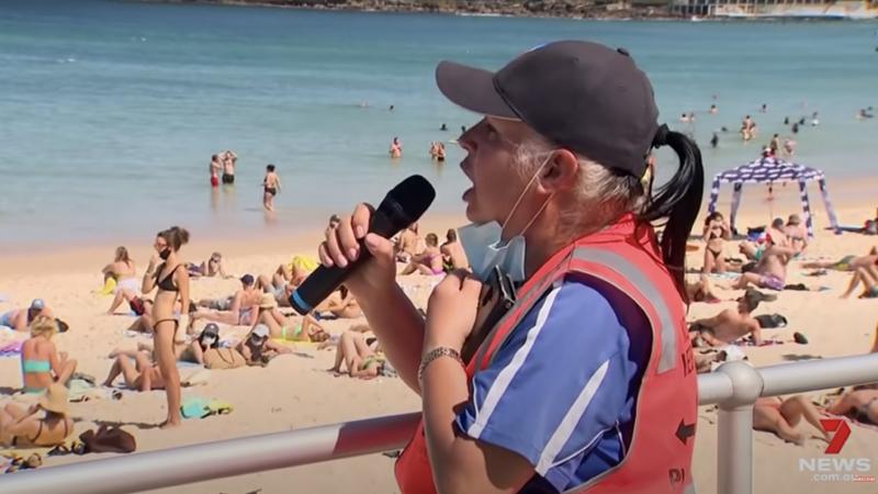 Australia: Hundreds of Maskless Beachgoers Ignore COVID Karen Threatening Fines